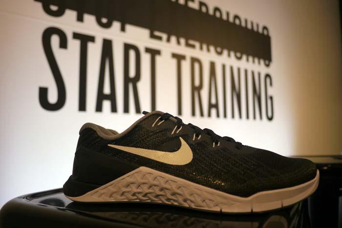 Lima Tiempo de día Sudor  Probando las Nike Metcon 3 con Mat Fraser y Sara Sigmundsdottir ...