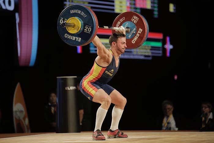 Josué Brachi levantando 118 kg